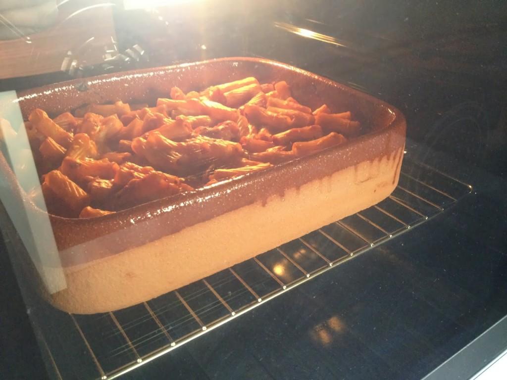 Pasta al forno nella terracotta pentole bionatural - Forno di terracotta ...
